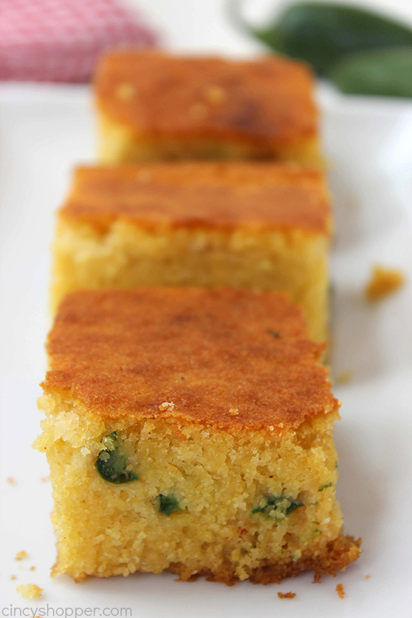 Homemade Cornbread with Jalapeños will make for a perfect side dish with all of your chili, stew, and soup recipes this fall and winter
