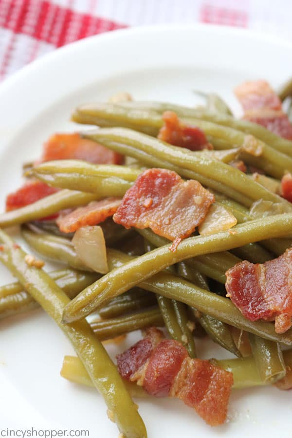 Southern green beans with bacon and onion