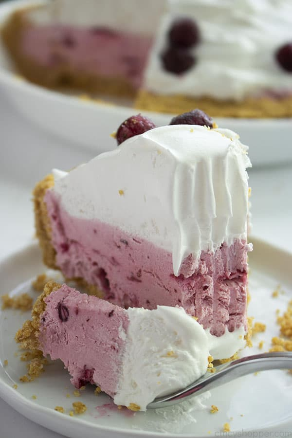 Easy Cranberry Cream Pie
