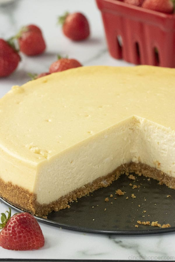 baked cheesecake with slices removed