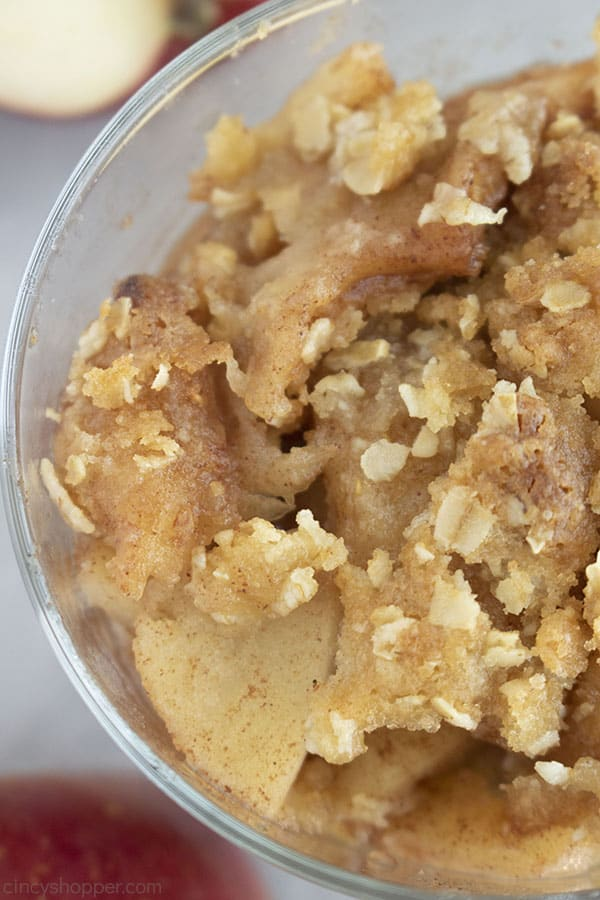 Overhead closeup of Apple Crisp in a clear dish