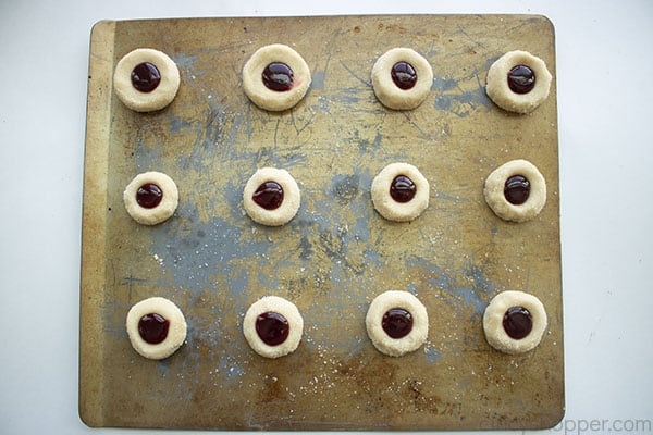 Jam added to cookies