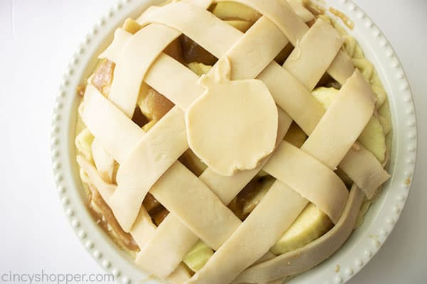 Lattice crust on top of apples