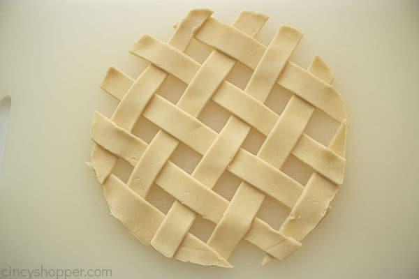 Basket weaved crust
