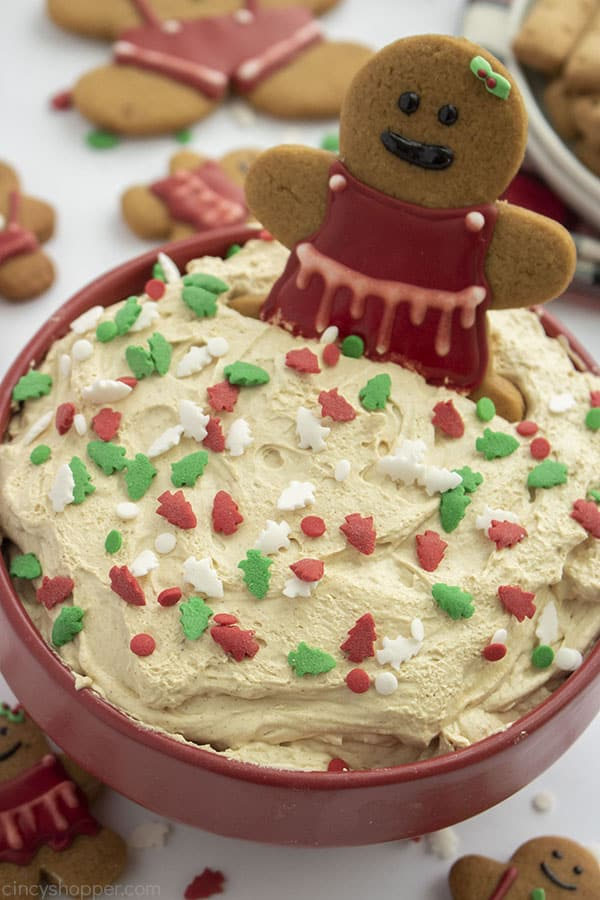 Gingerbread Cheesecake Dip in a bowl