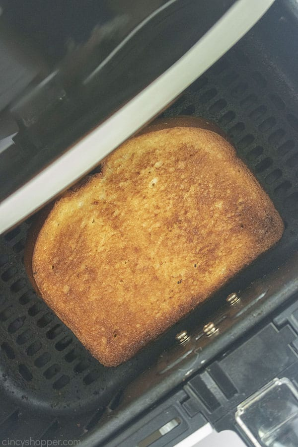 Toasted grilled cheese in air fryer