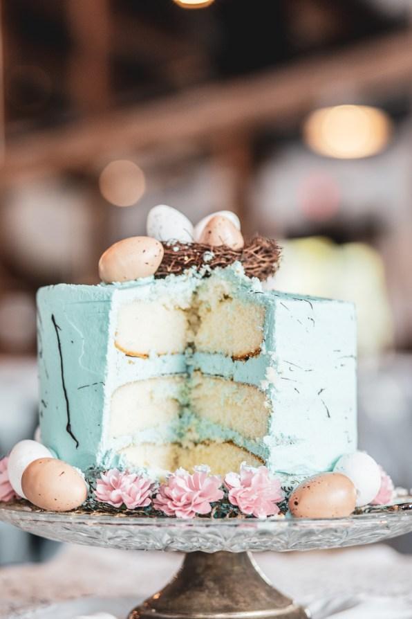 wedding cake for spring