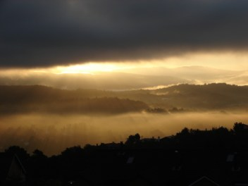 the southern Bergen valley, as seen from just under a cloud from our home on Løvstakken - September 25, 2008 - 7:17 am