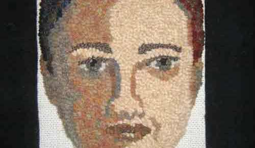 Rug Hooking a face: Adding the sashing