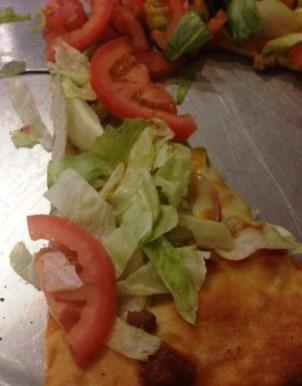 The Rail cheeseburger pizza e