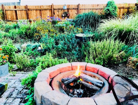 Six Ways to Personalize Your Garden firepit