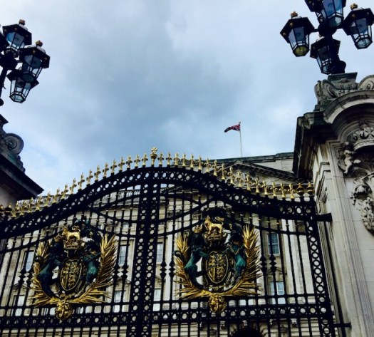 10 Things You May Not Know About Buckingham Palace gates