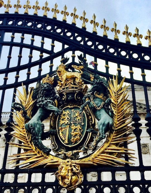 10 Things You May Not Know About Buckingham Palace seal