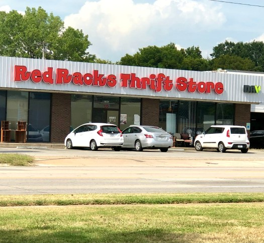 Five Benefits of Thrift Shopping Red Racks