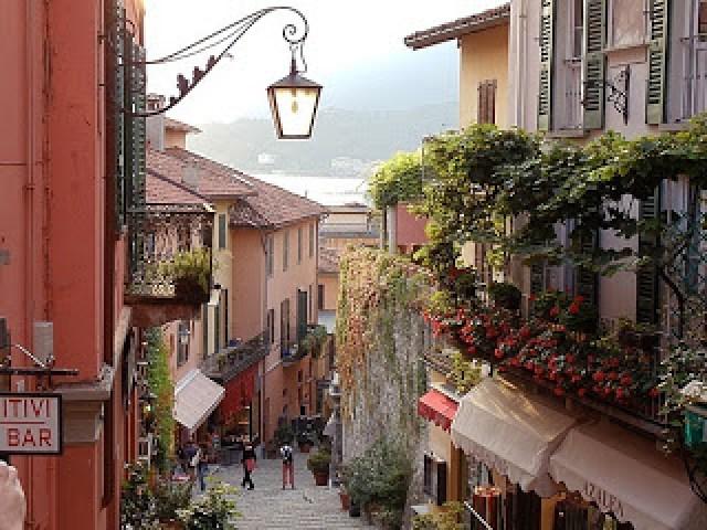 bellagio-street2