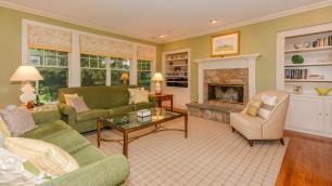 32 Northbrook Ln Irvington NY-large-010-Living Room-1500x847-72dpi