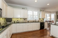 018-Kitchen-1555693-mls