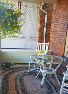 The lovely porch at the Wanderfalls Hostel in Niagara Falls.