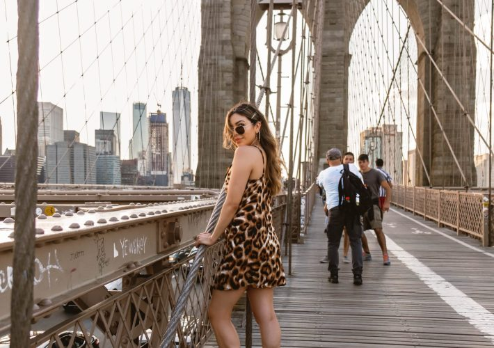 cindyycheeks strolling through Brooklyn Bridge, NYC