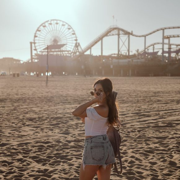 Santa Monica pier photography and cute outfit