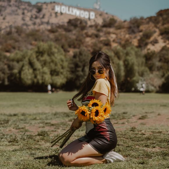 cute outfit for Hollywood sign, blogger photography, los angels - 16 places to to visit in California