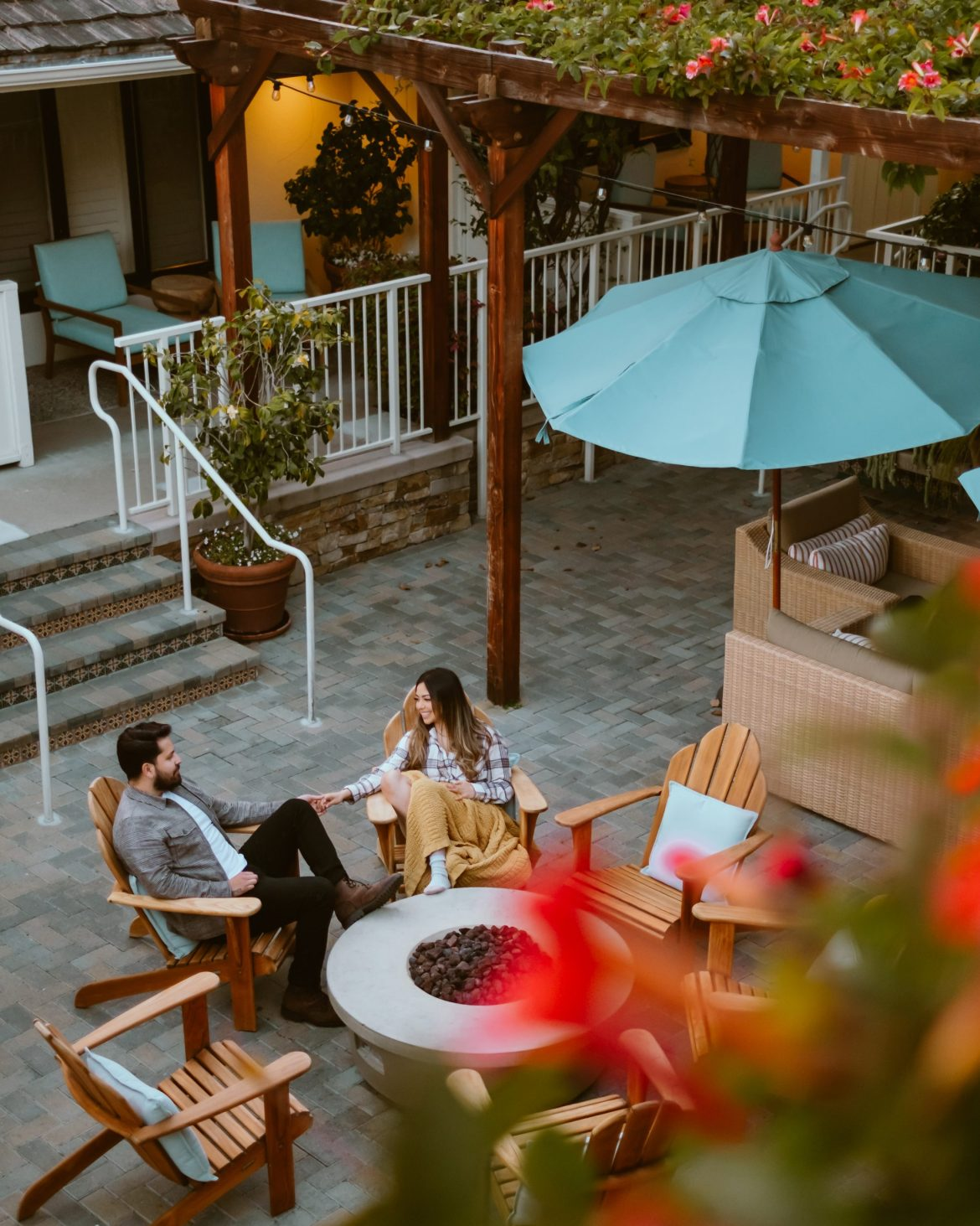 8 Highlights from the dreamiest stay at The Hotel Carmel - dreamy hotel courtyard, couples photography
