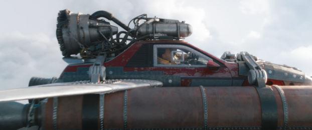 Pontiac Fiero avec fusée et boosters