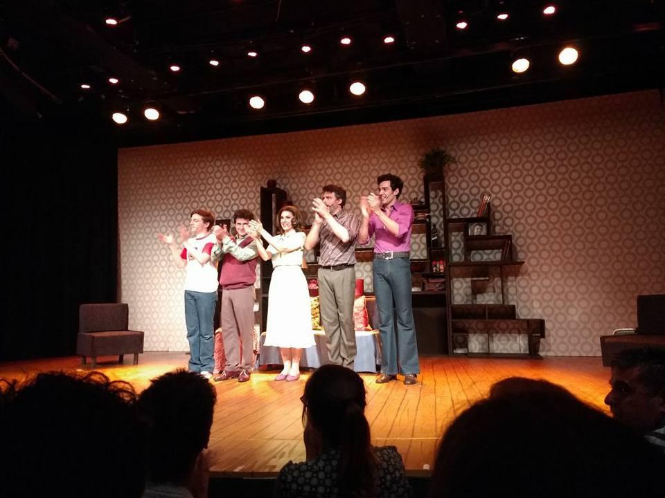 """""""Falsettos"""": Una comedia musical de una familia disfuncional en clave de humor"""