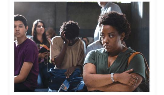 """""""Plaza París"""" un film en manos de 3 países, una joven en maltrato y aprietos"""