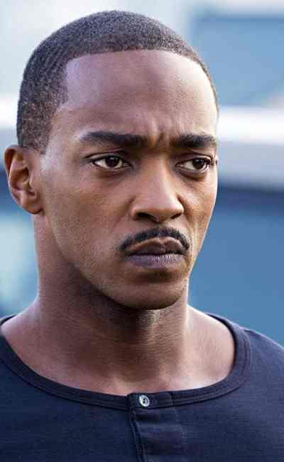 Anthony Mackie dans Zone Hostile sur Netflix (2021)