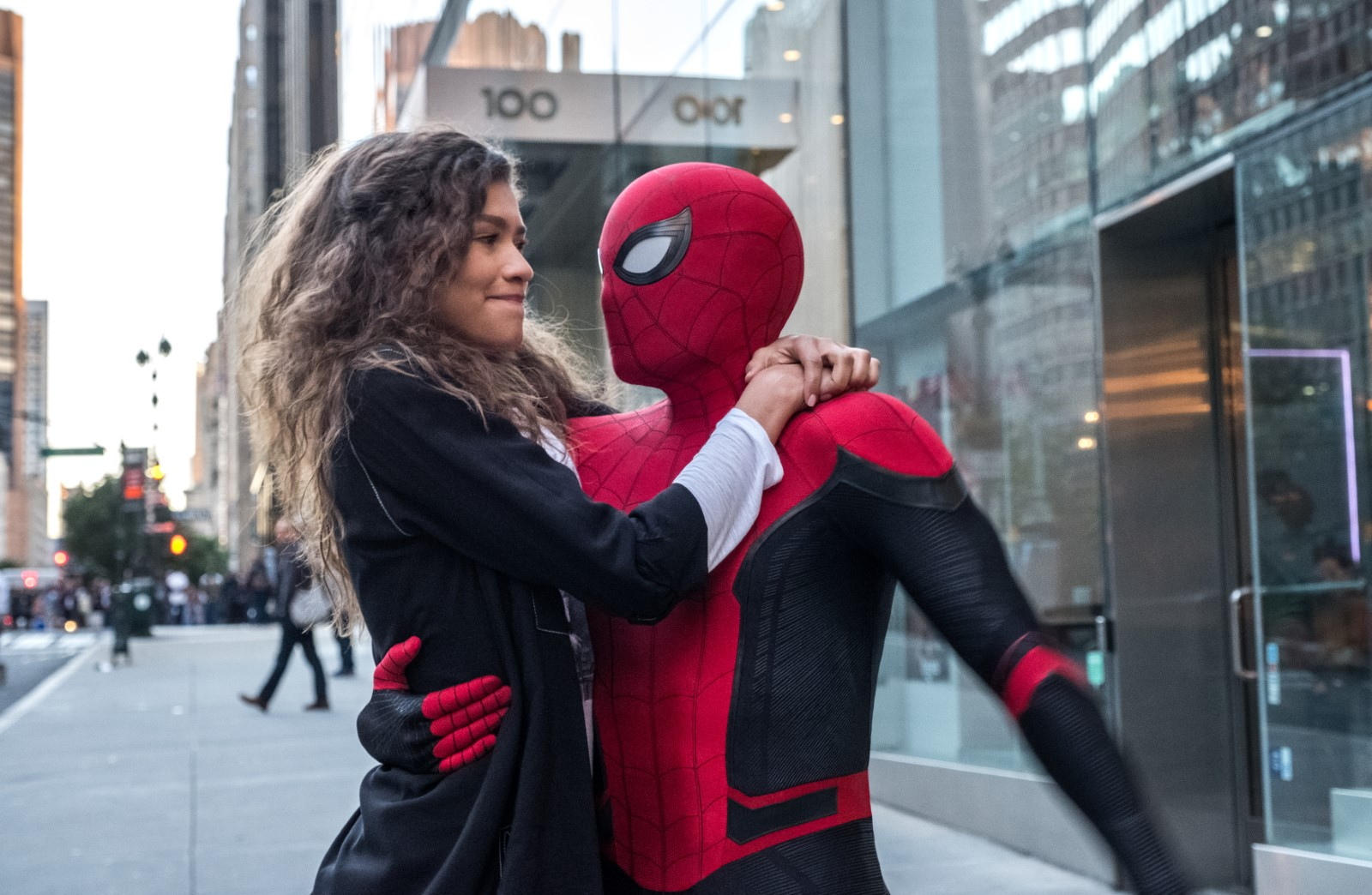 Zendaya et Tom Holland dans Spiderman Far From Home
