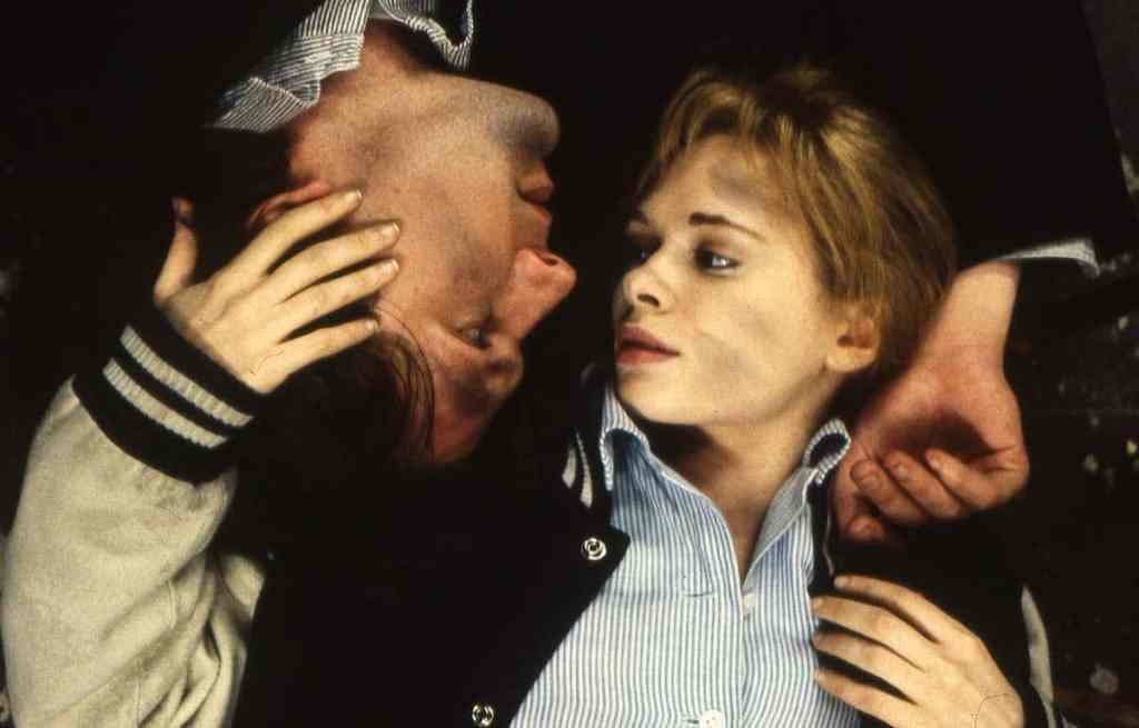 Martin Donovan et Adrienne Shelly, scène finale de Trust me de Hal Hartley