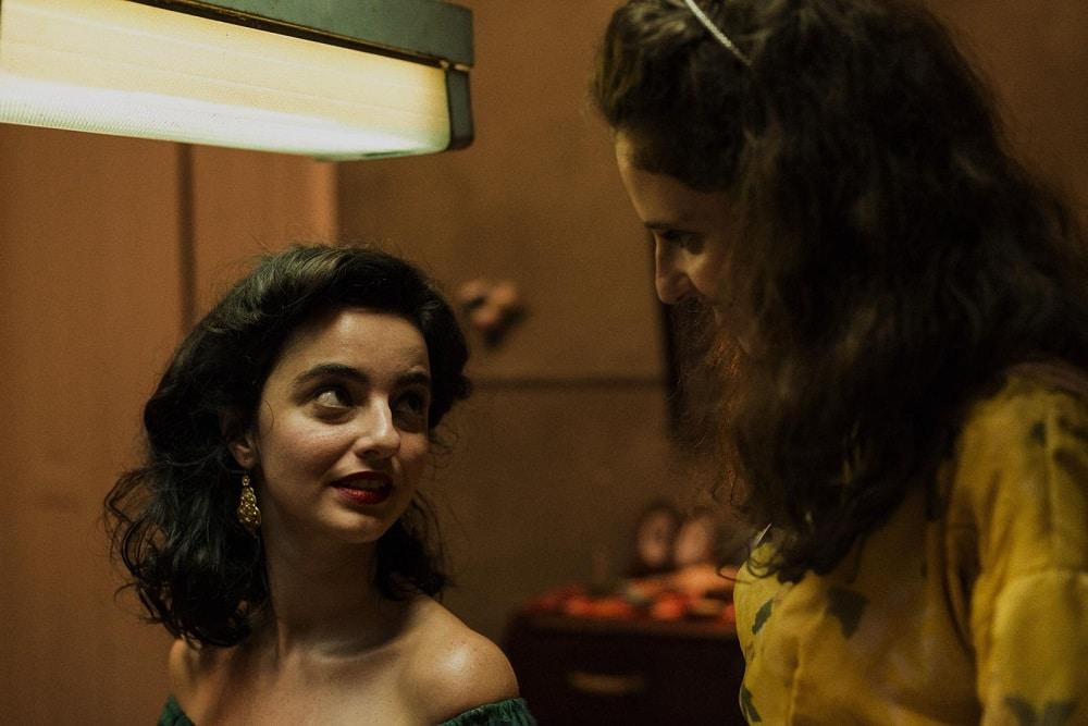 Carol Duarte et Julia Stockler dans La Vie invisible d'Eurídice Gusmão de Karim Aïnouz