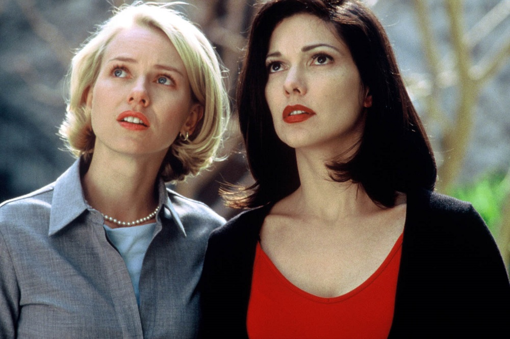 Naomi Watts et Laura Harring dans Mulholland Drive de David Lynch
