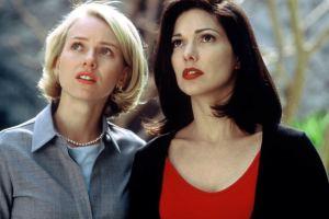 Naomi Watts et Laura Harring dans Mulholland Drive de David Lynch
