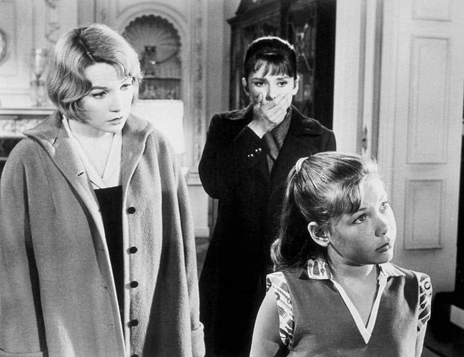 Shirley MacLaine et Audrey Hepburn dans La Rumeur
