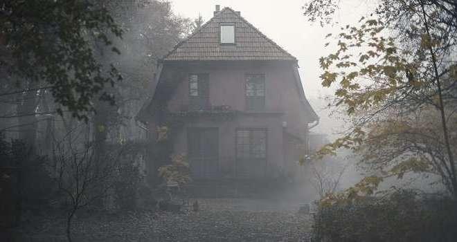 Dark casa