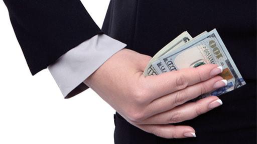 オンラインカジノと借金問題について