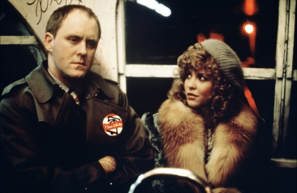 Burke (John Lithgow) et Sally (Nancy Allen). Blow Out.