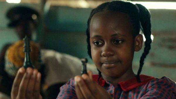 Nikita Pearl Waligwa, atriz de Rainha de Katwe, morre aos 15 anos