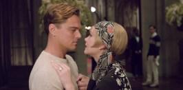 Leonardo DiCaprio è Jay Gatsby e Carey Mulligan è Daisy Buchanan nel Grande Gatsby