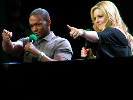 Anthony-Mackie-ECCC-2015-pointing