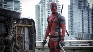 Deadpool still 1 (380x214)