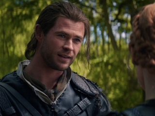 huntsman chris hemsworth