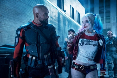 Suicide Squad Will Smith Margot Robbie (380x254)