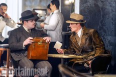 Murder on the Orient Express - Josh Gad, Johnny Depp