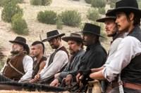 Ethan Hawke, Denzel Washington, Vincent D'Onofrio, Byung-hun Lee, Chris Pratt, Manuel Garcia-Rulfo, et Martin Sensmeier dans Les sept mercenaires (2016)