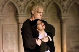 Paul Bettany et Audrey Tautou dans Da Vinci Code (2006)