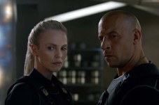 Charlize Theron et Vin Diesel dans The Fate of the Furious (2017)