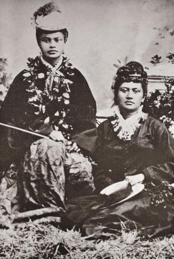 Hawaiians in Hats (3/6)